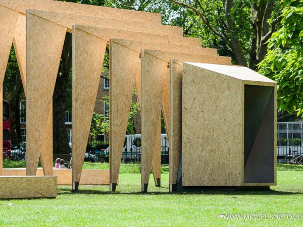 Triumph Pavilion by Ipt Architects | London – 2014